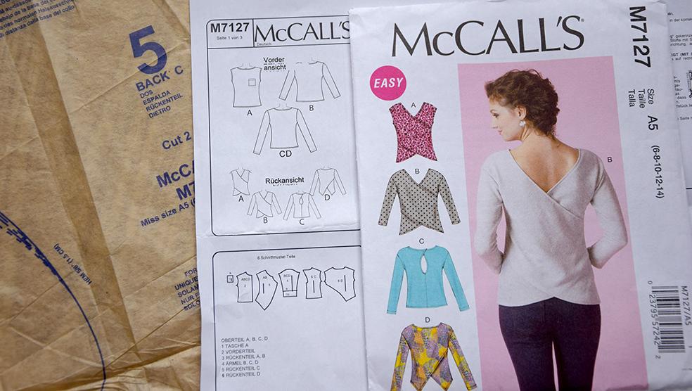 McCalls 7127